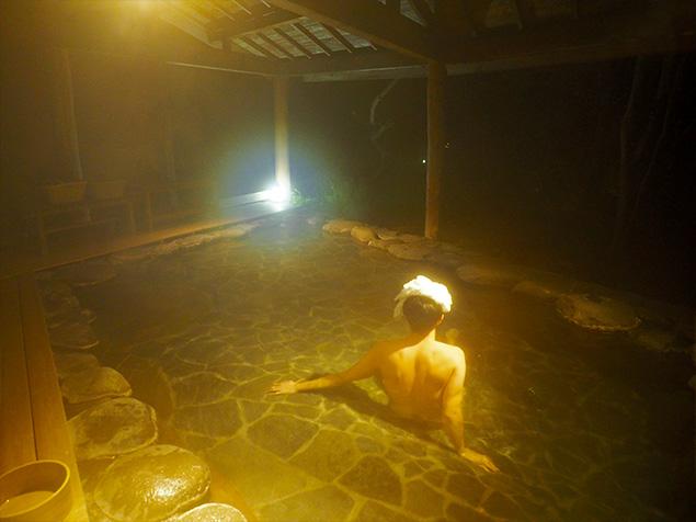 鹿覗キセキノ湯つるやの露天風呂