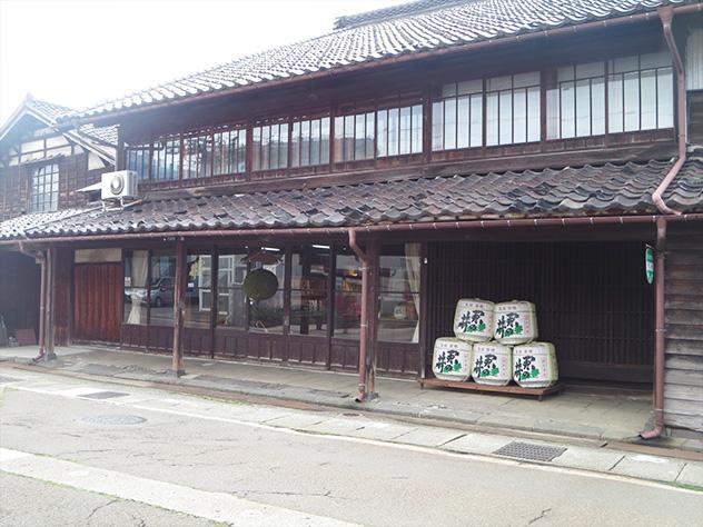北国街道沿いの酒蔵