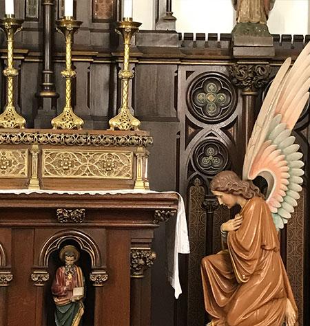 カトリック弘前教会の祭壇