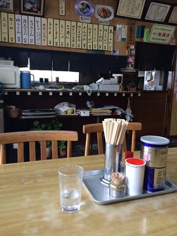 喜多方のラーメン店「食堂いとう」の店内