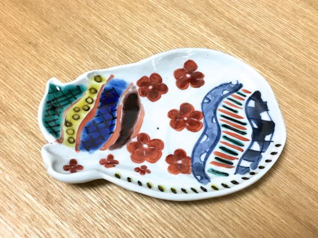 筆者(小林希)が制作した色絵豆皿の完成品(表)
