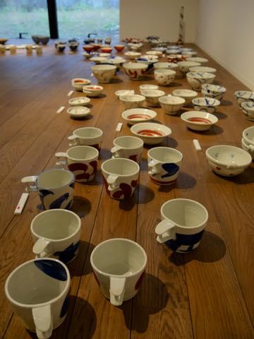九谷焼作家の赤池健陶さんによる作品の数々