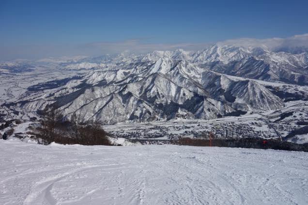 湯沢高原スキー場「青いケシコース」