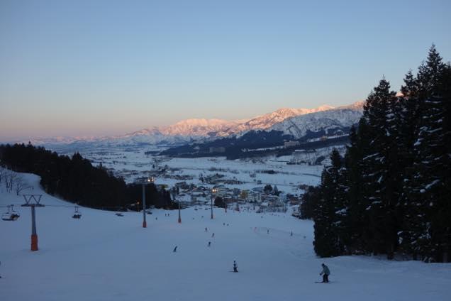石打丸山スキー場の夕暮れ