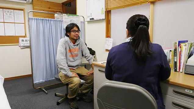 新玉川温泉の看護師に入浴相談する筆者