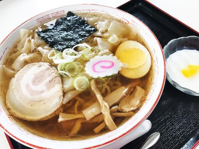 クセ中ワンタン麺