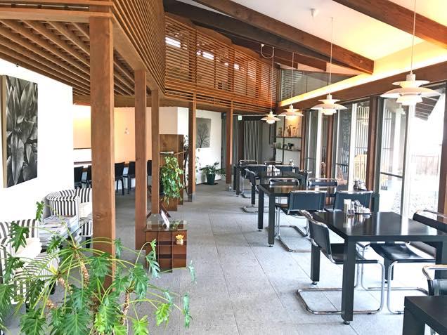 天童荘ガーデン・カフェ