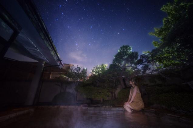 露天風呂から眺めるカシオペア座