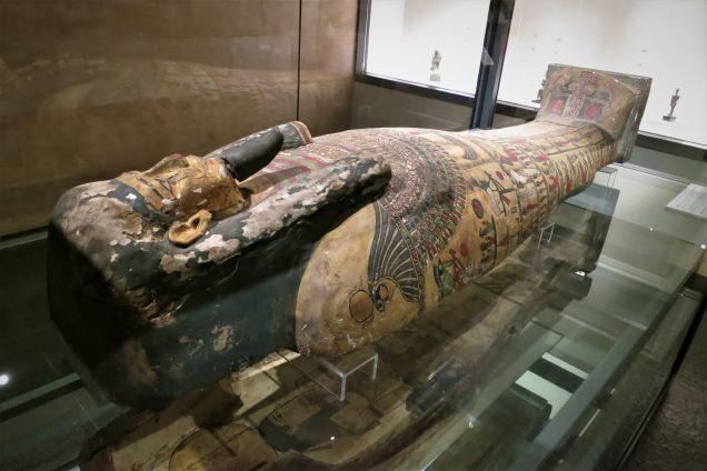 古代エジプト「彩色木棺」