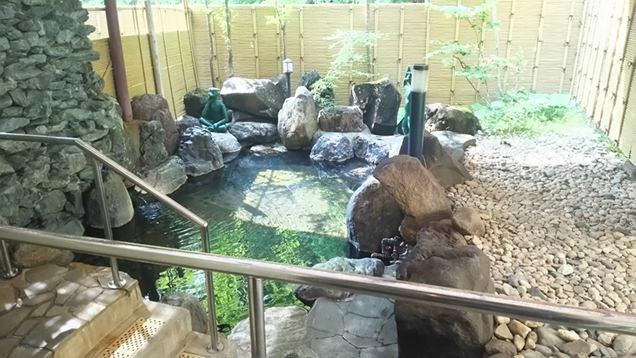 上高地ルミエスタホテルの天然温泉露天風呂