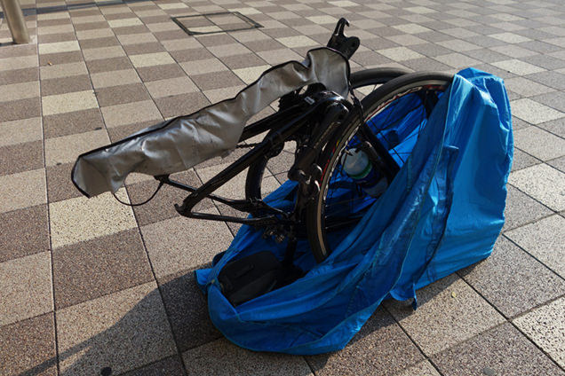 輪行袋とロードバイク