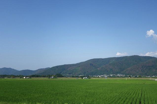 青空・山・田園