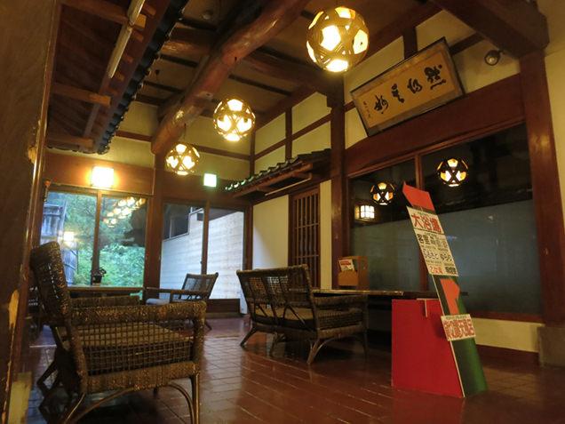 横谷温泉旅館の貸切風呂前のスペース