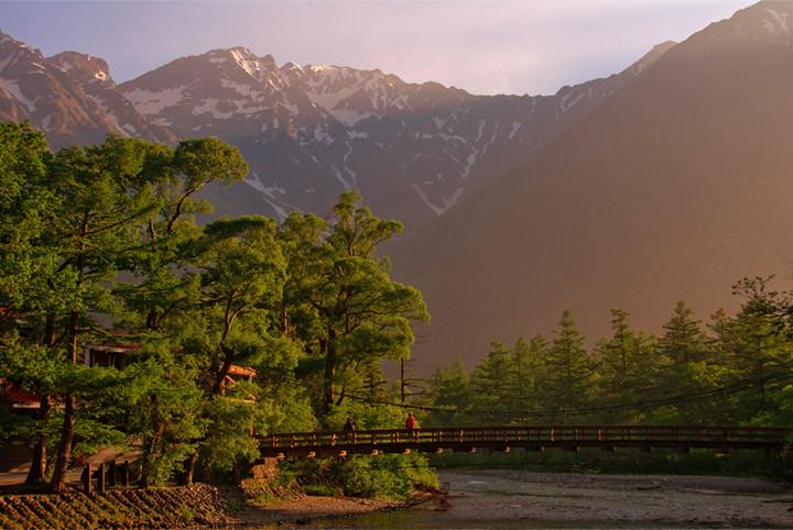 上高地で美しい山や星空を満喫。写真家が教える5つの絶景スポット