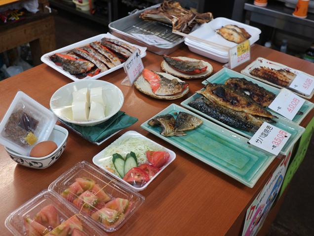 陸奥湊駅前朝市 焼き魚メニュー