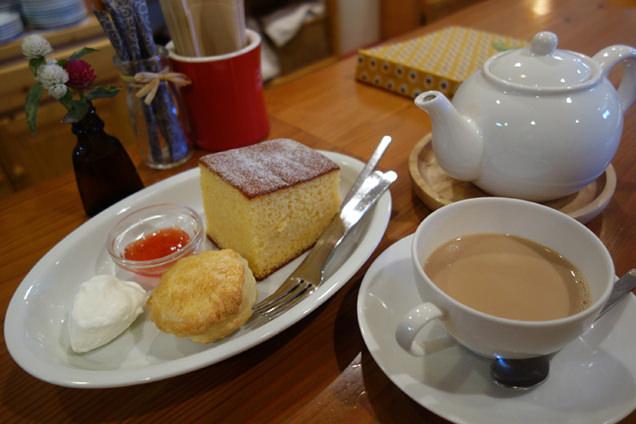 TEA ROOM Yuki Usagi カステラ&スコーン シンプルミルクティー