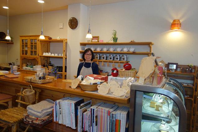 TEA ROOM Yuki Usagi 店主の宮本さん