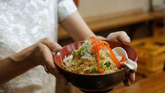 富士屋本店 豆腐サラダ