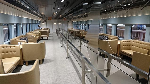 現美新幹線 12号車