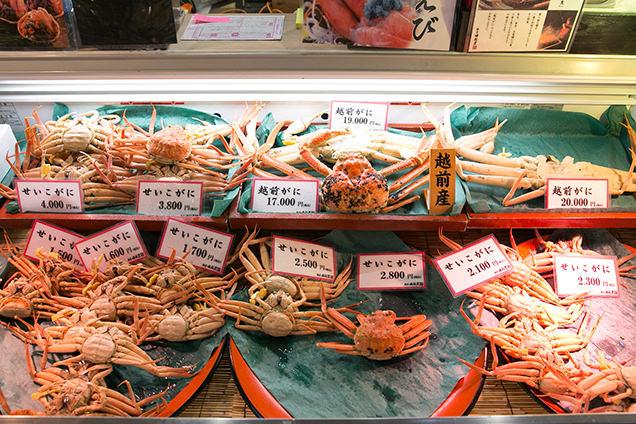 福井駅前 越前がに販売