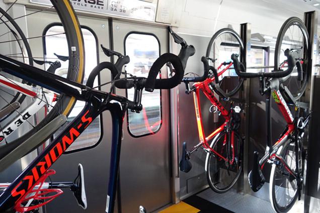 B.B.BASE サイクルラック自転車4台