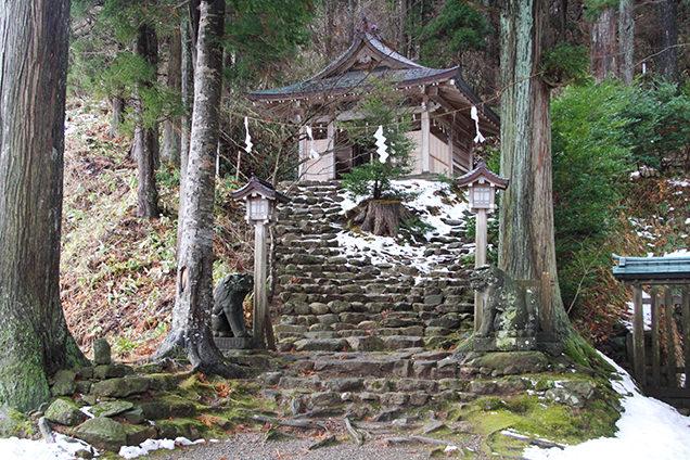 真山神社 石段