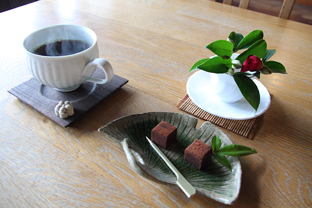 里山のカフェ ににぎ 生チョコとコーヒー
