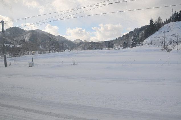 奥羽本線 車窓からの雪景色