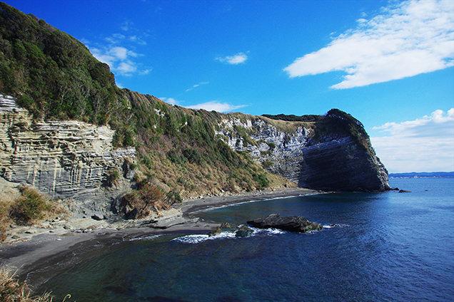大房岬自然公園 ダイナミックな地形を眺める