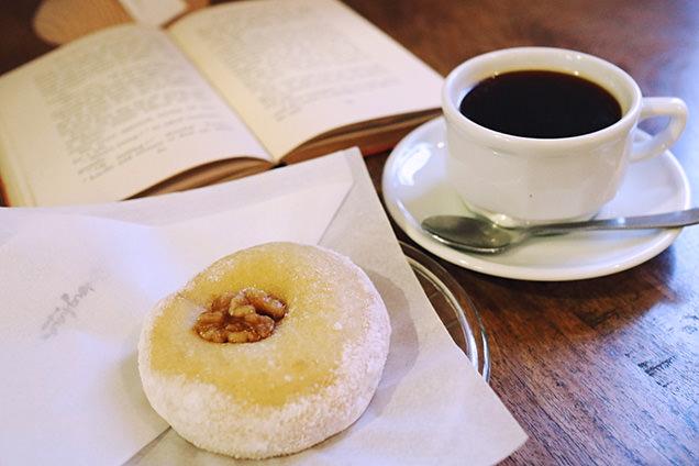 dough-doughnuts ドードーナツとコーヒー