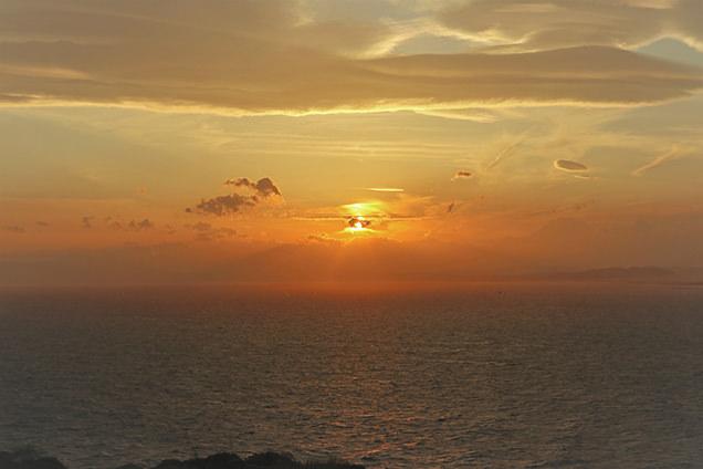 江の島シーキャンドル 夕日