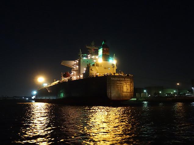 工場夜景探検クルーズ タンカー