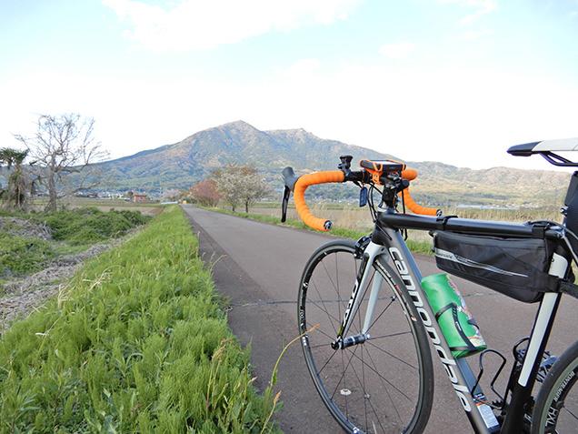 筑波山とロードバイク
