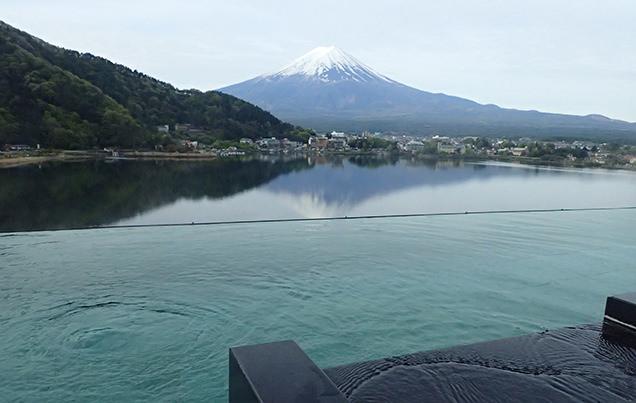 風のテラスKUKUNA 露天風呂からの富士山