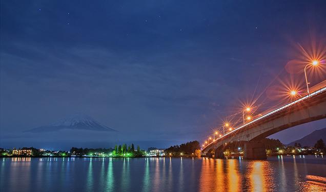 河口湖大橋の夜景