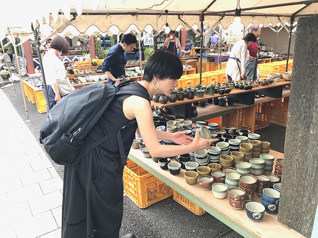 益子陶器市でうつわを選ぶ高山都