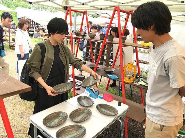 益子陶器市 西丸太郎さんの作品と高山都