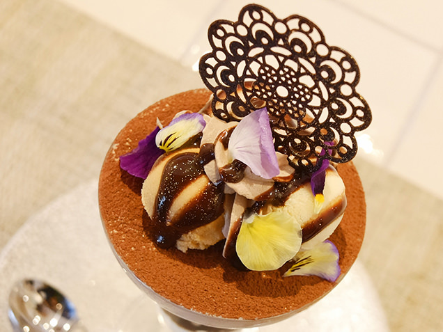 dessert cafe HACHIDORI ショコラとバナナのパフェ