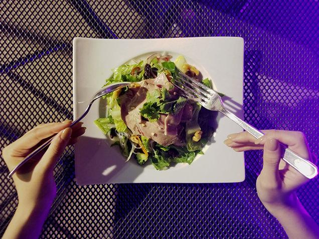 東京スパイシーローストビーフサラダ