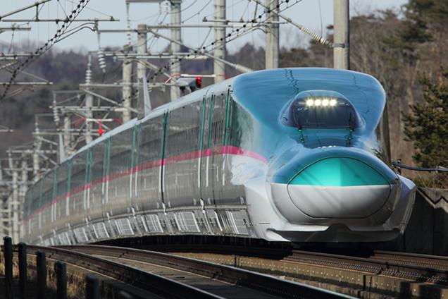 東北新幹線のE5系車両