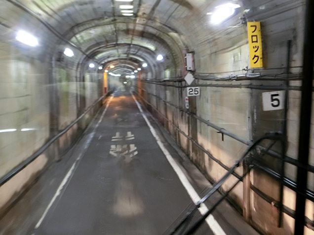 関電トロバス 車窓