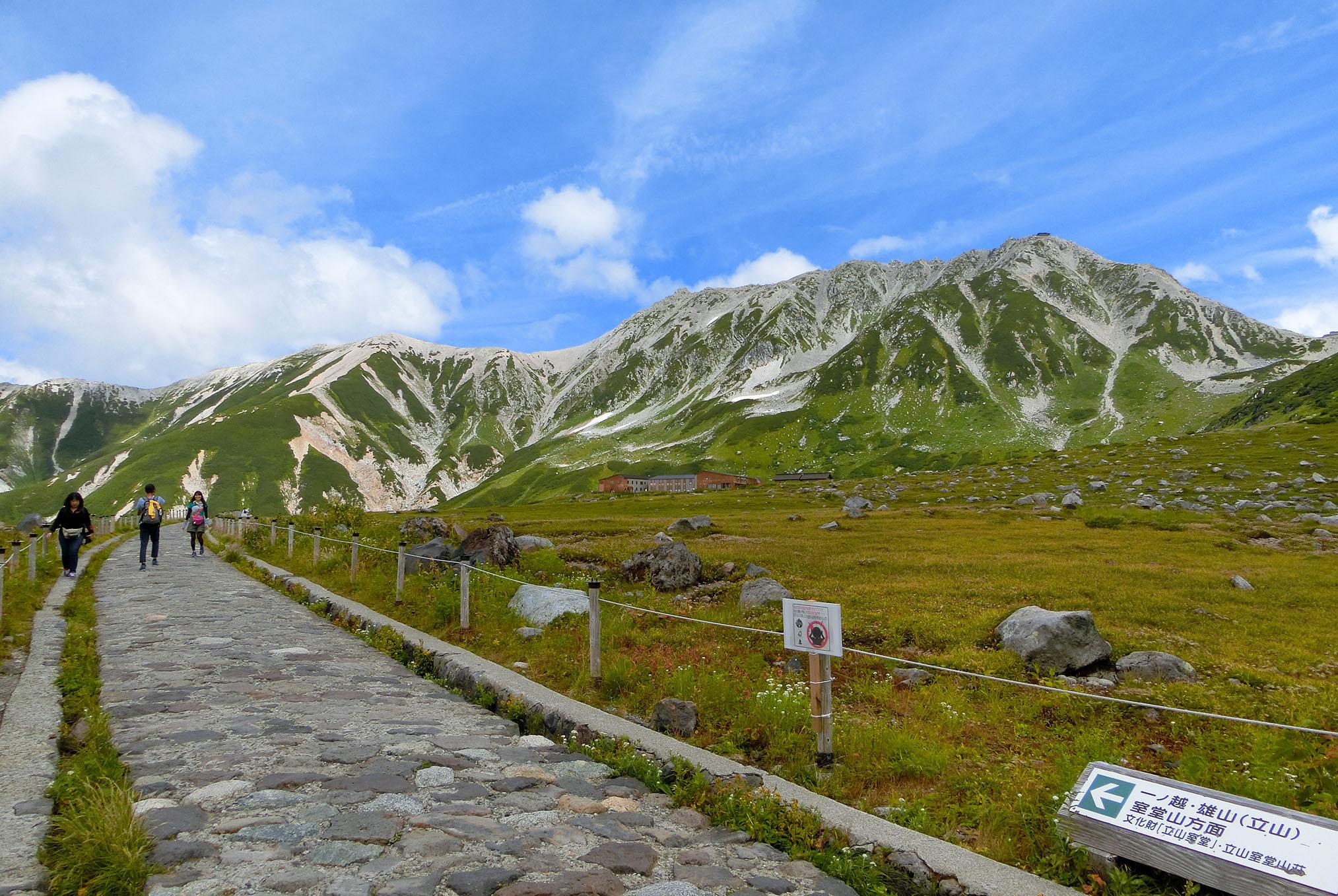 秋の連休は「立山黒部アルペンルート」に決まり!絶景と乗り物を堪能♪