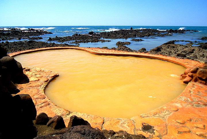 【東北・関東】絶景の露天風呂がある宿5選|大自然と温泉のコラボが最高