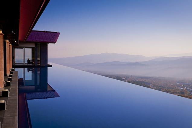 赤倉観光ホテルからの夕暮れ時の眺め