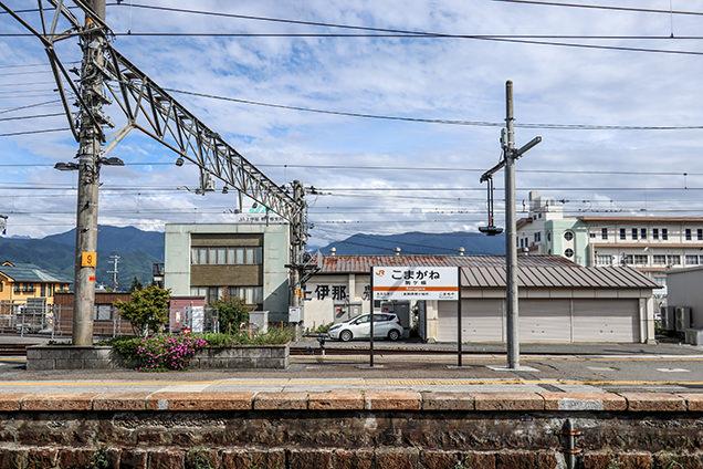 JR駒ヶ根駅のホーム風景