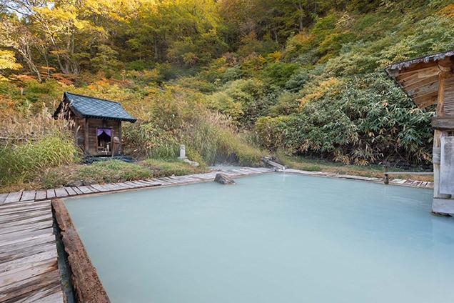 乳頭温泉郷 鶴の湯 露天風呂