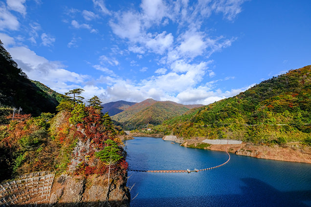 四万川ダムの絶景