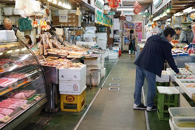 弘前中央食品市場の店内