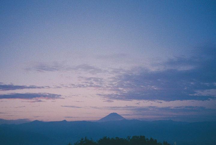 温泉から見るご来光&渓谷ハイキング&絶品パフェに癒やされる山梨旅