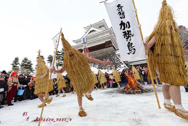 鮮やかな演舞から竹の打ち合いまで!ユニークな東北の冬祭りへ行こう